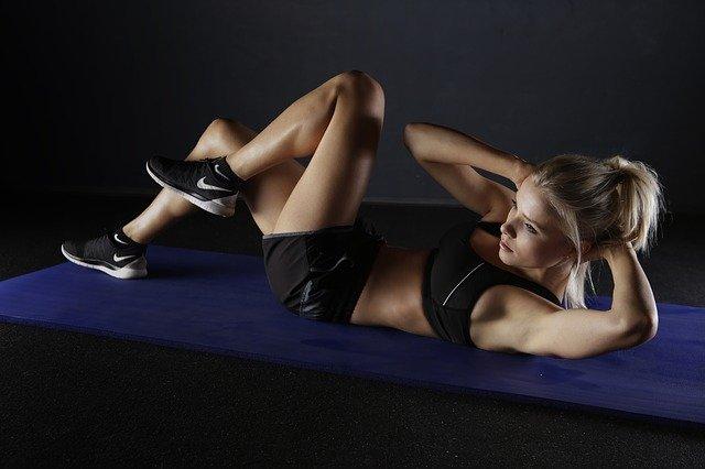 Eiweiß zum Training - Weshalb Proteinpulver und Eiweiß beim Abnehmen hilfreich sind