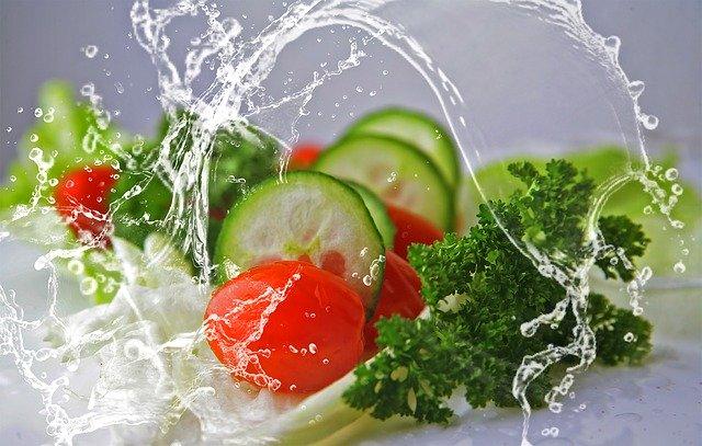 Gemüse fällt ins Wasser - Das Maximumprinzip: Einfacher Weg zum Traumkörper?