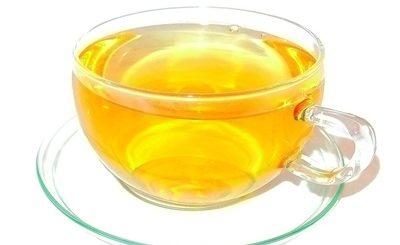 gesundeszentrum 522961 web R K B by Fabian Forban pixelio.de 400x245 - Hilft weißer Tee beim Abnehmen?