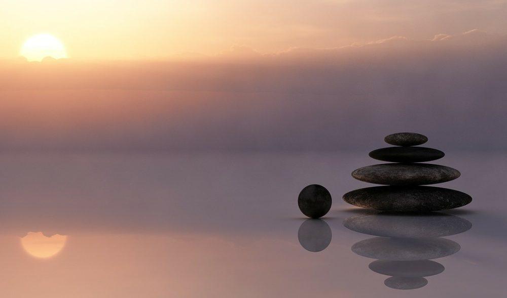 gesundeszentrum balance615924 web R K B by twinlili pixelio.de scaled - Hilfreiche Tipps für mehr Entspannung im Alltag